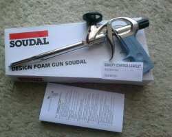 pistolet do pianki soudal